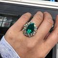 一对祖母绿戒指兄弟