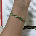 转一条阳绿起光翡翠随形手链