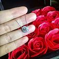 刘涛同款玫瑰花钻石项链,优雅时尚。