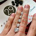 让你直观的感受一下钻石的大小!