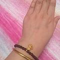 给这些手串配什么尺寸的小金珠合适呢
