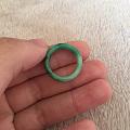 闲置的翡翠戒指