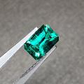 1.3克拉,祖母绿,主打晶体干净,颜色漂亮