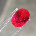 自然光下的骄傲自满.一粒红宝石应有的色彩.