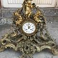1750年法国鎏金青铜三件套座钟