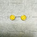 超级黄的鸡油黄耳钉