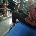 今天坐公交时偷拍的镯子