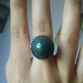 血滴石戒指