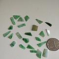 小碎翡翠,会编绳的可以编绳,都打孔了,24个,100包邮