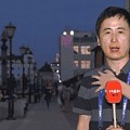"""7月5日报道: 韩男记者被美女球迷正面""""进攻""""偷亲 绷不住偷笑 狠狠地火了一..."""