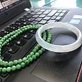 小手镯和绿珠子