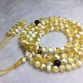 金瓷白珠串