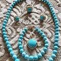 今年新收的蓝松项链和手链