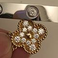 大家帮我看看这个是钻石吗