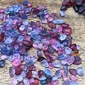 从越南到缅甸,寻找理想的钴尖晶和红蓝宝,结果却不太理想,陆安像样的刻面没有,...