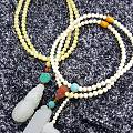 最近收了点小配珠,把手里的串串都重新搭配一下~~一下子就旧貌换新颜了~~