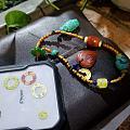 多宝手机链,各种南红、蜜蜡、绿松石、小金子,