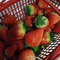 老公买了草莓🍓回家,有的好大一颗,有的超小,膨化剂吗?