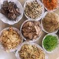 上次说的台州特色饺饼筒的,不过这个是天台一般用的菜,其它地方用的不一样哈哈哈...