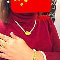 出金坑收的最后一件嘿嘿,正版下不去手,对品牌没有执念山的也挺满意的,珍珠跟黄...