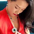 越花越有钱的秘诀就是买珠宝 能带来美的愉悦和感受 还能带来更多财富 何乐而不...