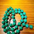 翡翠珠链和耳钉
