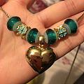 受前几日坛子某美女启发买了几个玻璃珠拼成的毛衣链