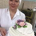 昨天跟师傅一起做的蛋糕,花都是本人做,百分之70出徒,百分之30就是师傅不在...