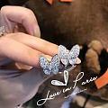 求你们狂甩图:日常款钻石套装,戒指,吊坠,耳环。三件吧。