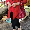 今天早上菜市场拍拍拍,有两个种水不错,红衣服的虽然干了点但是带色哦😄