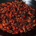 第一次自己煮龙虾,成功,卖相一般,味道尚可,价格比店里实惠太多!