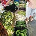 菜市场很有节日气氛,一路飘香,艾草的香味😋