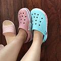 沙滩洞洞鞋,哪个颜色好看?