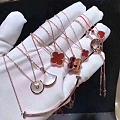 不知道是喜欢珠宝才做的珠宝还是做了珠宝才爱上珠宝反正就是喜欢喜欢💕