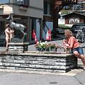 途经某小镇,看到有人在裸浴啊,