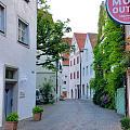 离开格林德尔瓦,到达梅尔斯堡,又是一个童话小镇。