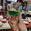 第一次喝鸡尾酒 颜色很漂亮,基本没有酒味