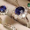 周六上班,戴上藍寶石心情好一些