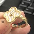 求大家帮我出出主意,刚买的梵克雅宝戒指掉漆了!