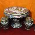 景德镇十大瓷厂美研室 重工粉彩手绘 金地万花 九桃 瓷桌 瓷凳一套