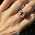 珠寶展上收的紅寶戒指