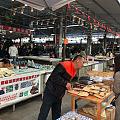 从瑞丽市区到姐告边贸市场,大概4公里左右,穿过瑞丽江,不远处500米就是姐告...