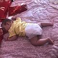 宝宝突然喜欢趴着睡觉了