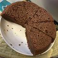 嘿嘿嘿,电饭煲巧克力蛋糕,做过2次原味,今天试试巧克力味,电动打蛋器还没到,...