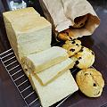 最近在钻研烤面包 买了厨师机 买了25kg日清面粉 技术不够人民币凑
