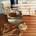 古董金币项链和香水
