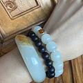 找到了隔开珠子跟镯子的小木珠