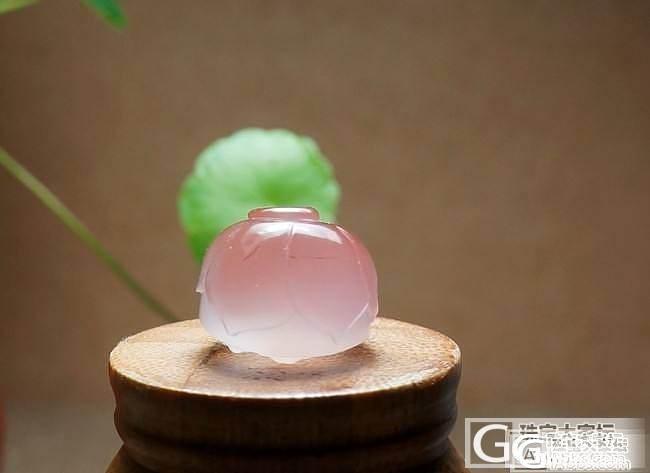 【玉石之美】粉色南红透料精工俏色莲蓬_玛瑙
