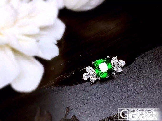 【RBG 定制欣赏】超美的沙弗莱戒指,蝴蝶翻飞,情深缱绻_上海皇家蓝彩宝