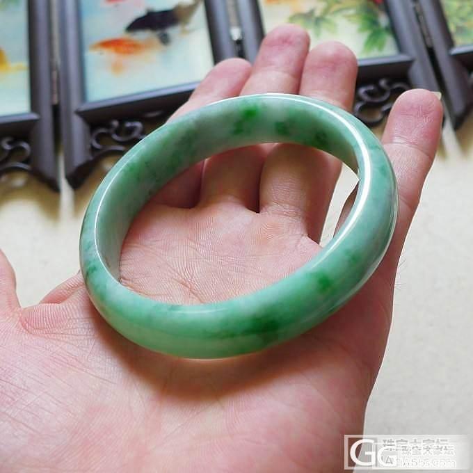 天然翡翠A货正品绿色手镯阳绿玉镯子_翡翠手镯
